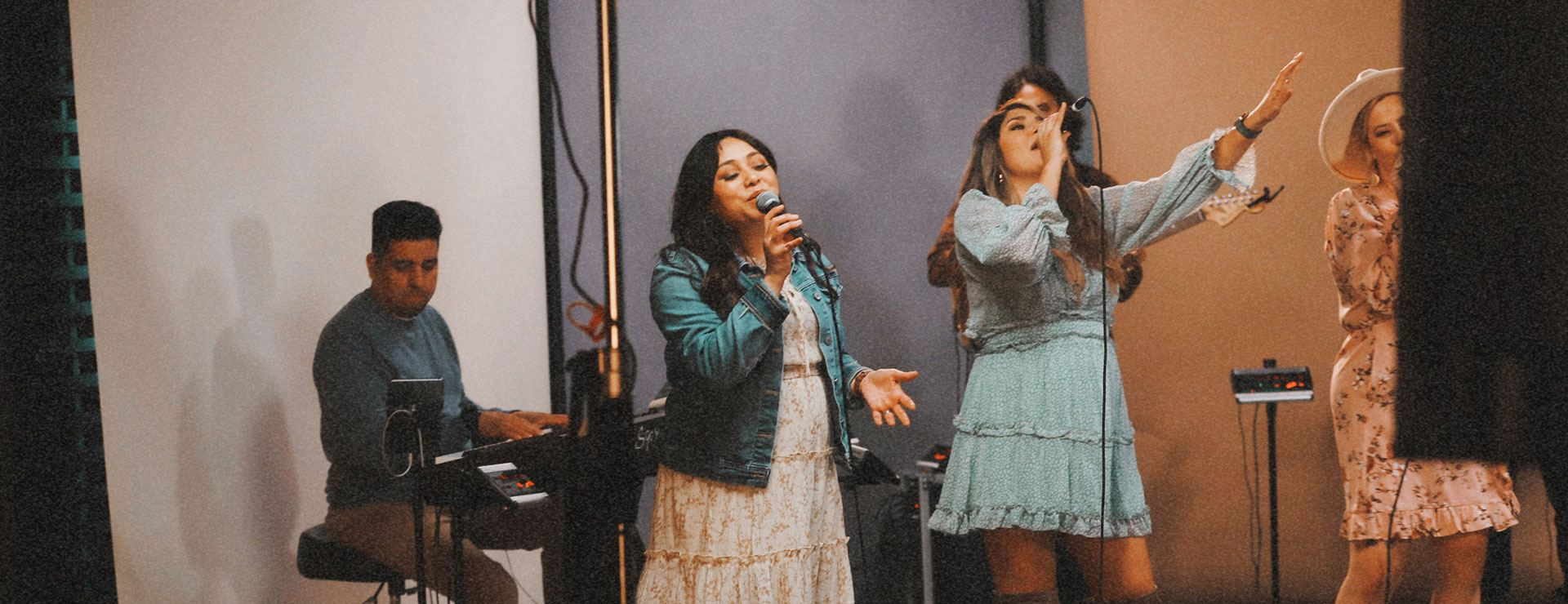 Live Worship in Costa Mesa